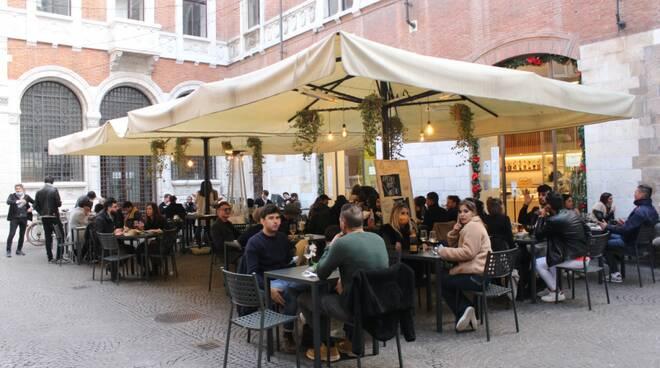 locali riaperti in centro storico a Lucca