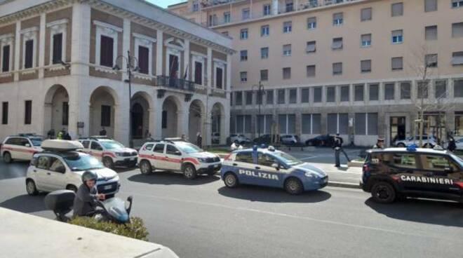 polizia carabinieri Livorno