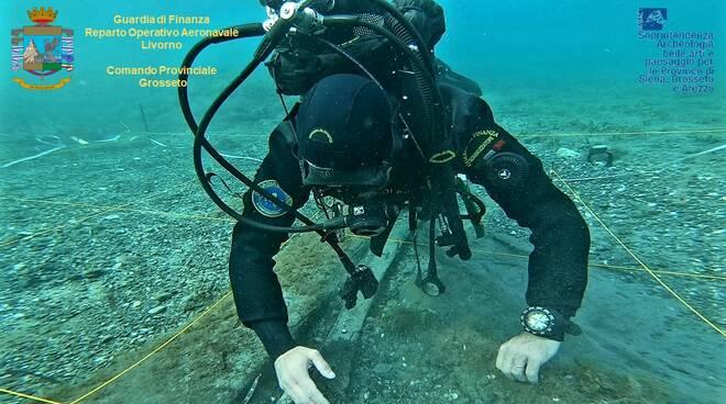 Relitti navali sul fondale nel golfo di Follonica