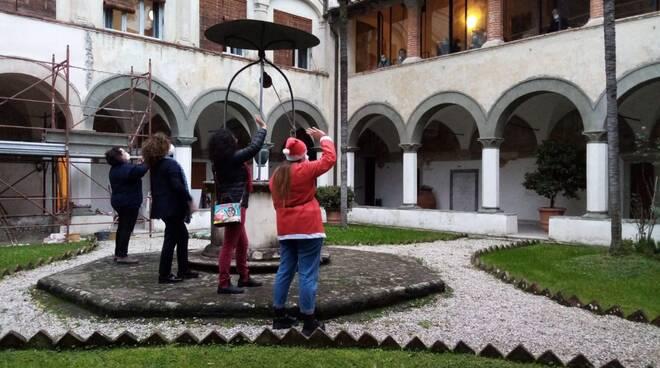 Roberta Motroni regali Natale Rsa Borgo a Mozzano Corsagna