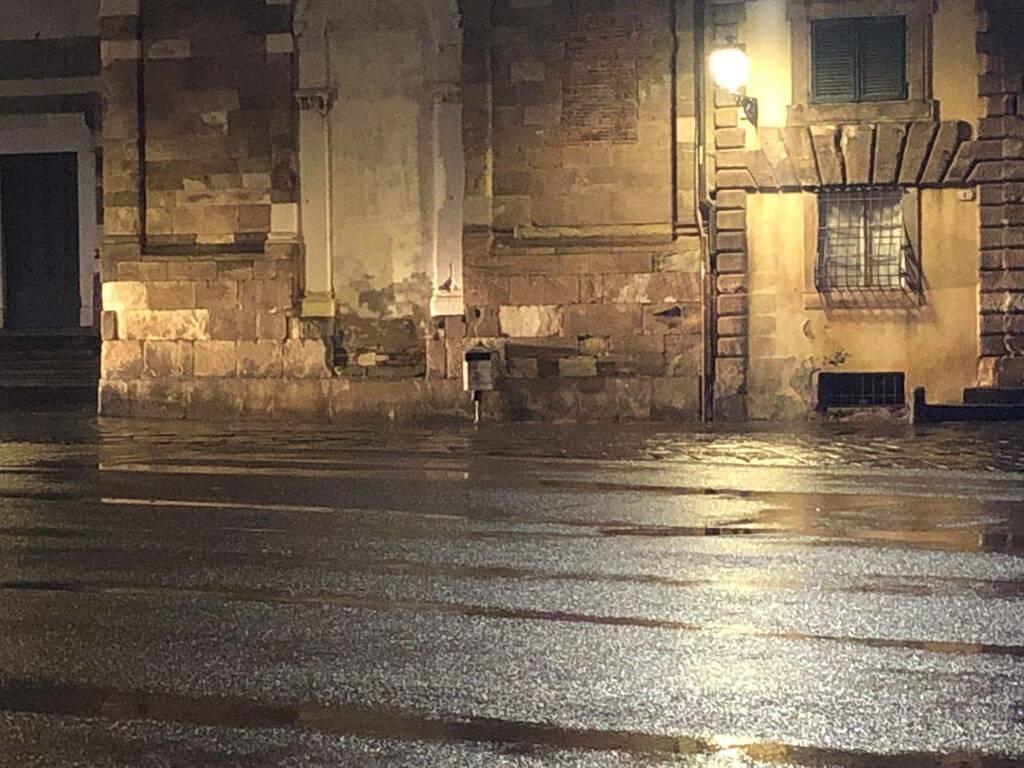 allarme bomba piazza San GIovanni piazza San Martino Blacklist Web Radio