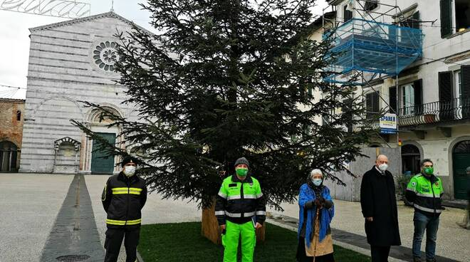 Befana vigili del fuoco San Francesco 2021 pandemia
