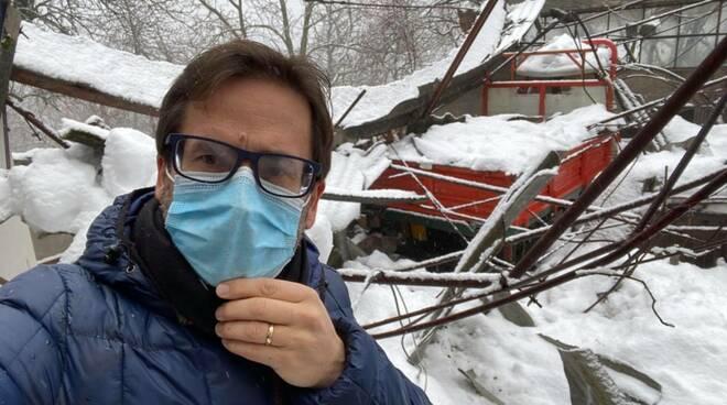 Crollo capannone per la neve a Sulcina