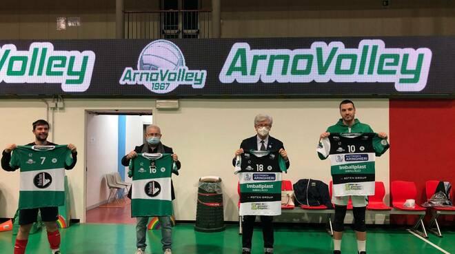il logo della Fondazione Stella Maris sulla maglia dell'Arno Volley