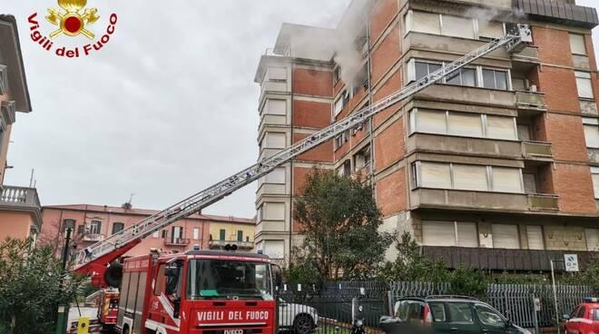 incendio appartamento a Livorno