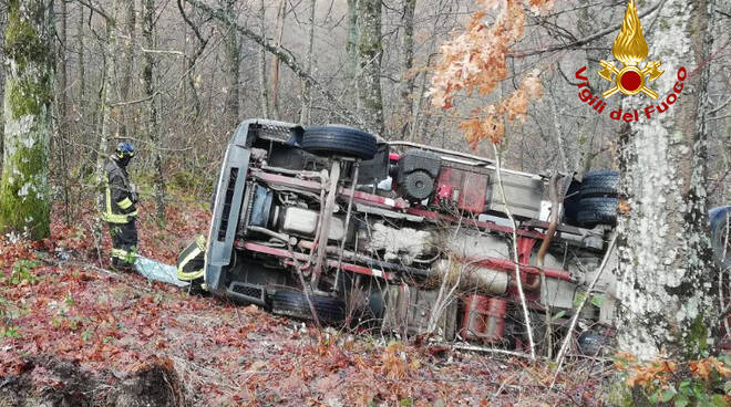 incidente bus ribaltato Firenzuola