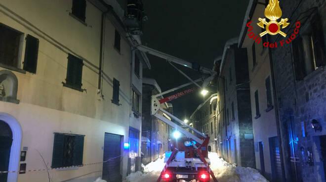 Interventi dei vigili del fuoco sulla neve in Garfagnana
