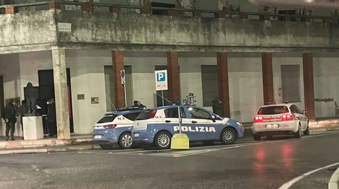 Polizia a Anpi Viareggio