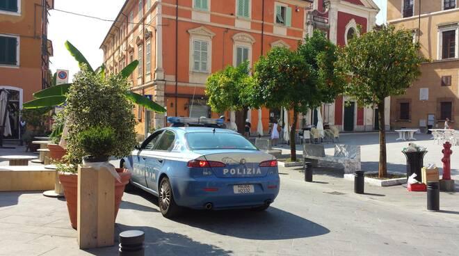Polizia Massa