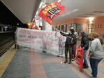 protesta sindacato per strage di viareggio
