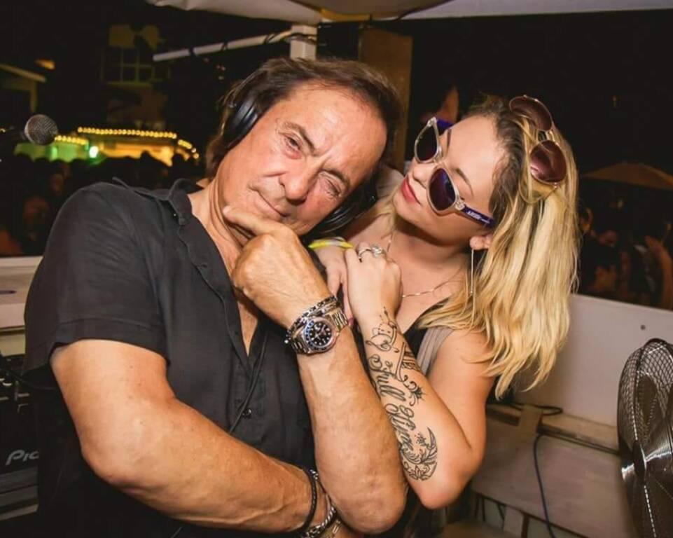 Riccardo Cioni dj con la compagna Agnese