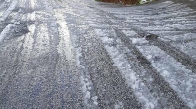 sale a Pietrasanta contro il ghiaccio
