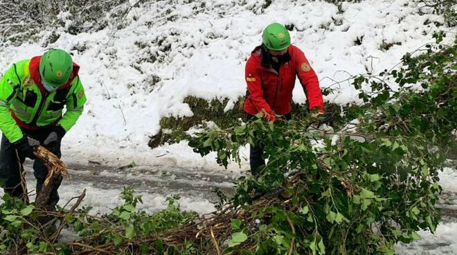 Sast al lavoro per l'emergenza neve