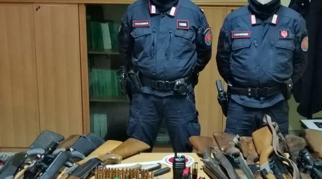 sequestro armi carabinieri forestali Camporgiano