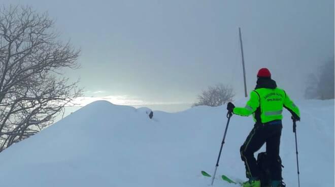 soccorso alpino apuane valanghe rischio