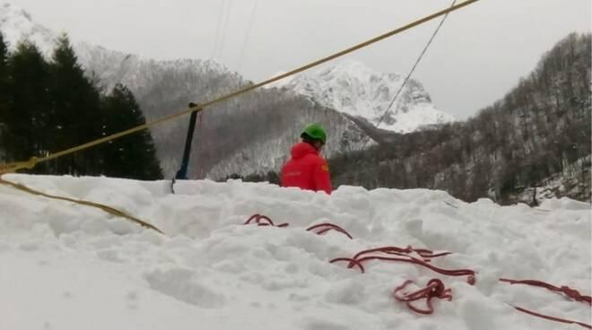soccorso alpino neve Arni