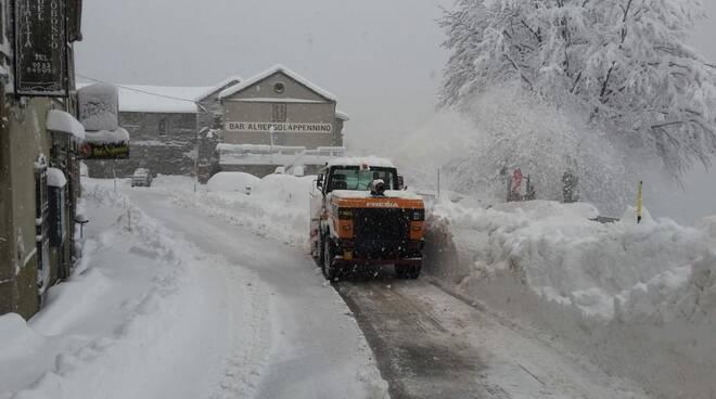spalaneve provincia in azione neve Garfagnana