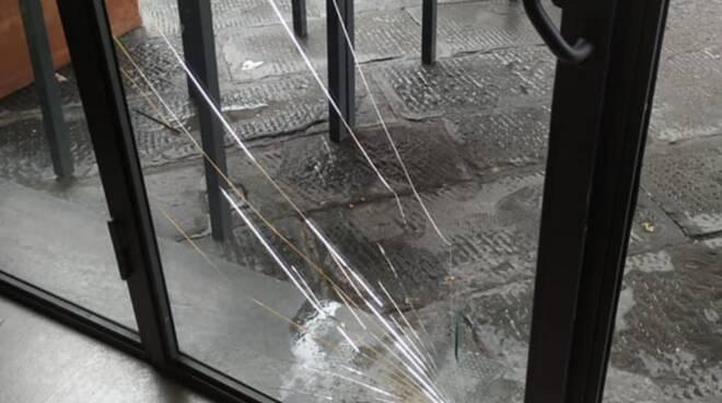 vetrata ingresso Lebowski