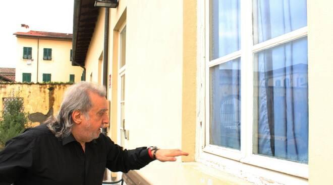 appartamento Pia Casa Giampiero Bazzoni polemica