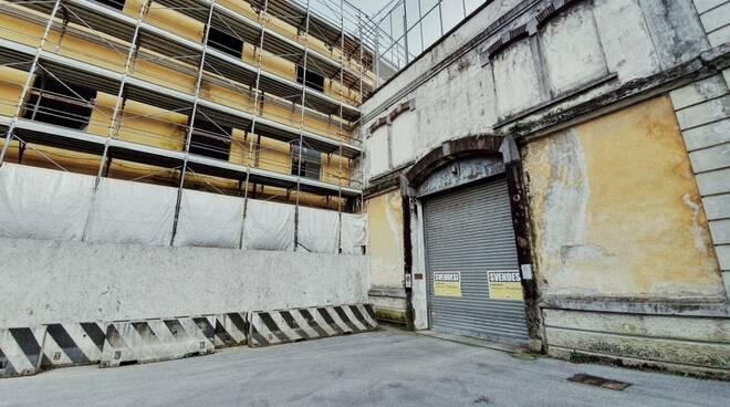 Difendere Lucca cartelli svendesi manifattura tabacchi