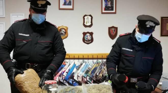 droga carabinieri sequestro chili droga Marina di Pietrasanta