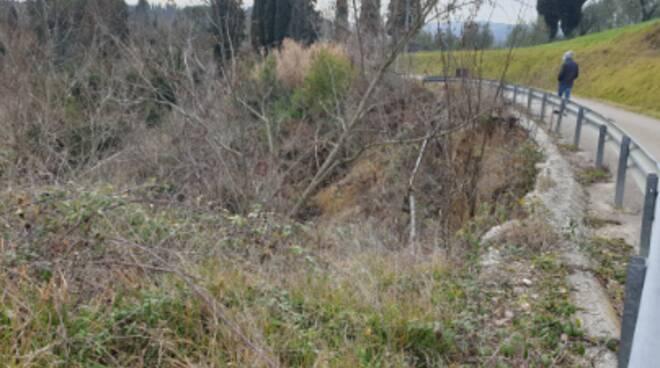 Frane in via Gello tra Cusignano e Collebrunacchi