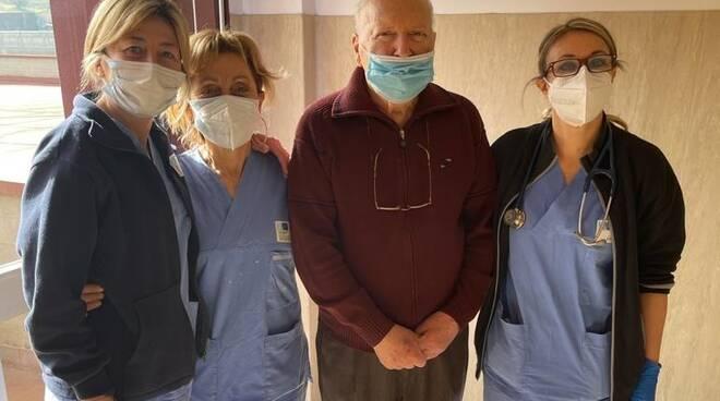 mario guarito dal coronavirus a 90 anni