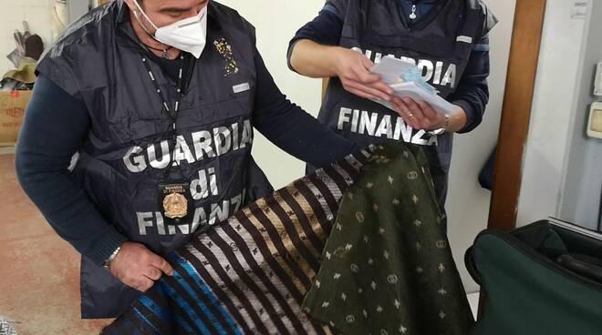 Operazione Burlamask, mascherine contraffatte prodotte in Valdera scoperte dalla finanza