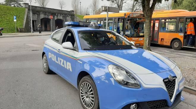 polizia volante Lucca