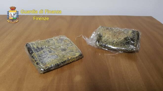 Sequestro droga guardia di finanza firenze