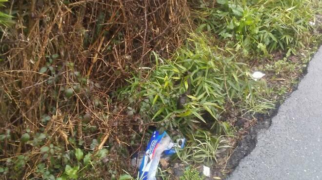 spazzatura abbandonata marlia saltocchio 2