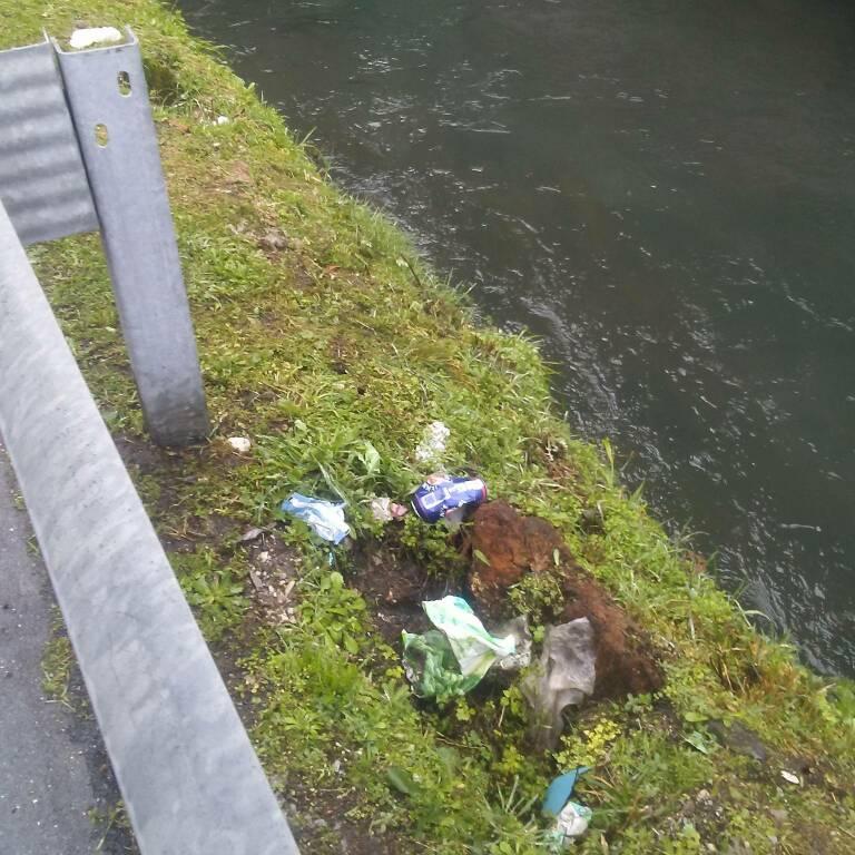 spazzatura abbandonata marlia saltocchio