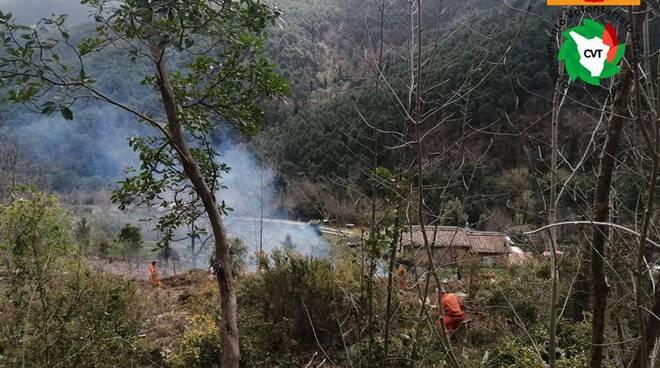 anti incendio boschivo nel pisano