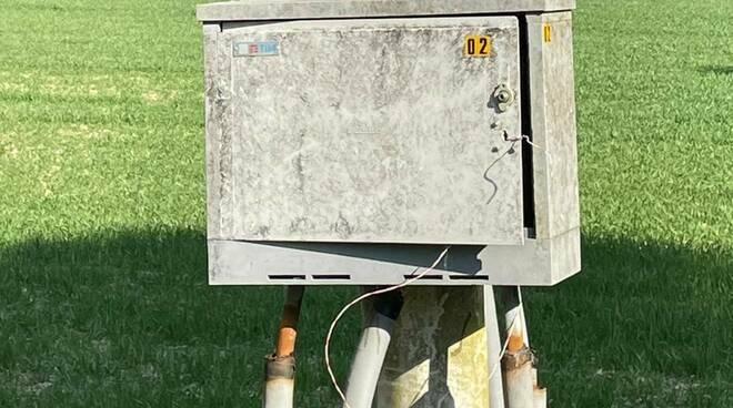 cabina telefonica guasta a la serra san miniato