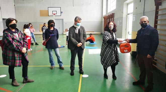 Korber e Ungaretti donano un defibrillatore a Isi Pertini