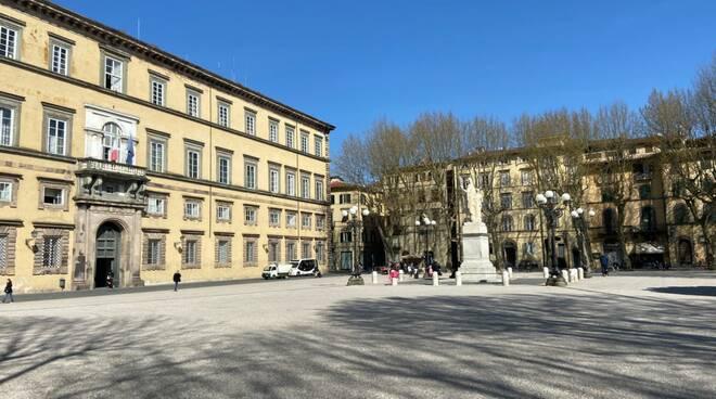 piazza napoleone in zona rossa