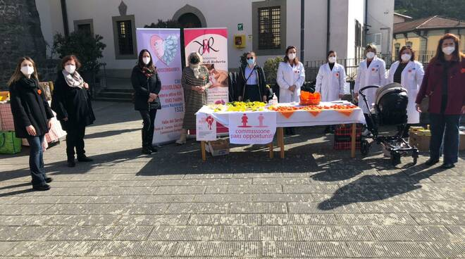 piazza Umberto I Castelnuovo Garfagnana iniziativa violenza di genere