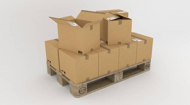 scatoloni pacchi pacco posta consegna amazon