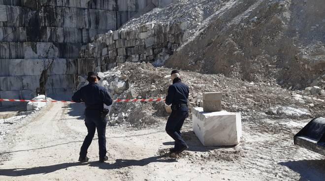 sequestro cava di marmo