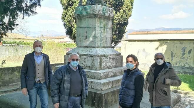 sopralluogo Bove al monumento ai caduti di San pietro a vico