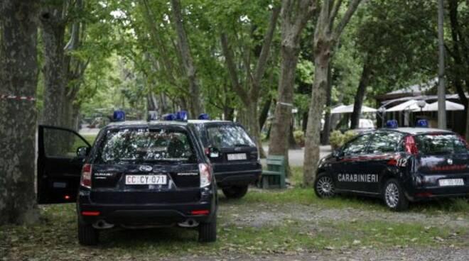 carabinieri in pineta a Viareggio