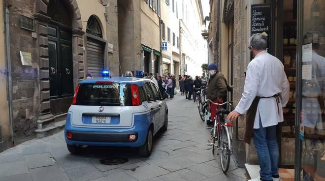 carabinieri polizia intervento via Roma