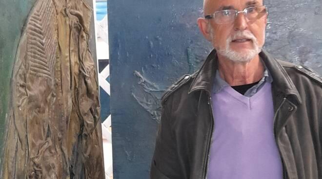 A Marina di  Pietrasanta  arte  contemporanea si legge RL51, aperta la galleria-studio di Roberto Lazzarini
