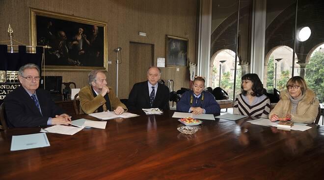 fondazione banca del monte in conferenza con l'ex dirigente petrini
