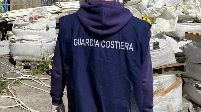 guardia costiera viareggio deposito