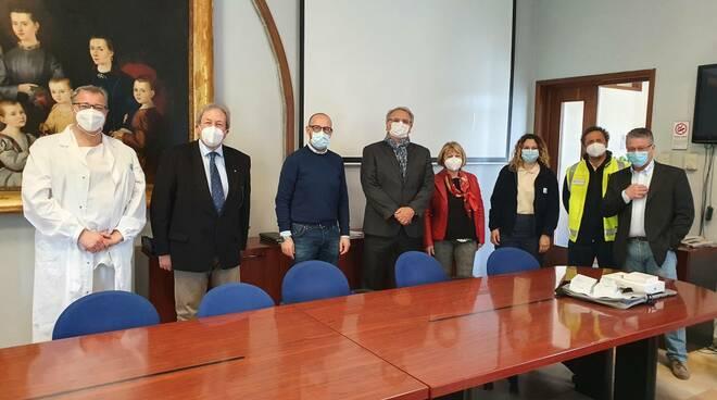 I Lions nella lotta al Covid: donato alle Usca del Versilia un ecografo polmonare portatile