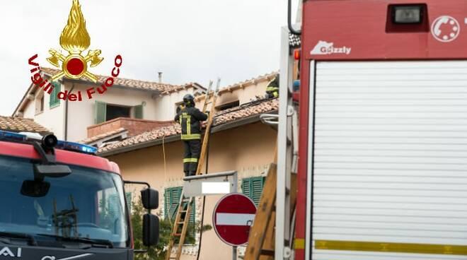 incendio in appartamento vigili del fuoco