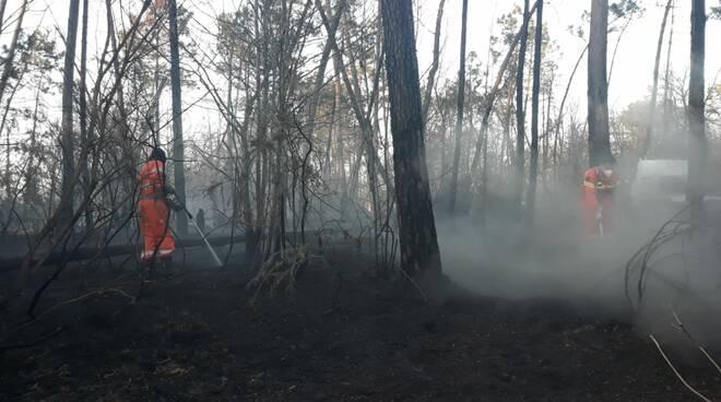 incendio Villa Campanile Pubblica Assistenza Santa Maria a Monte