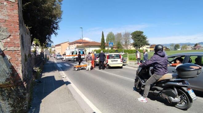 Incidente in via di Tiglio a Lucca