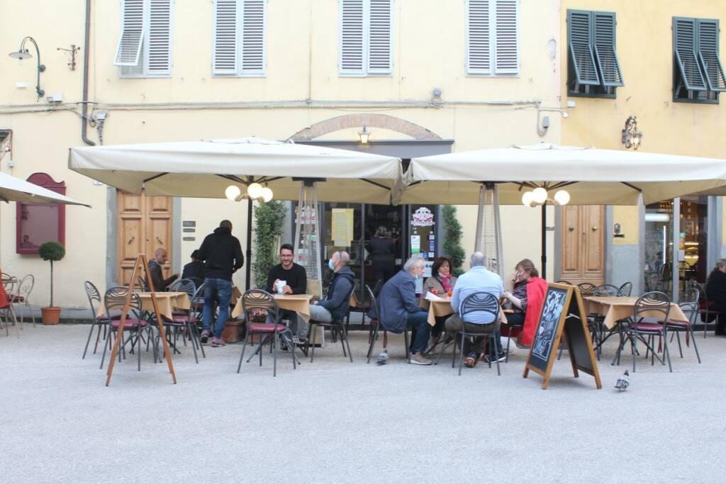 prime riaperture Lucca